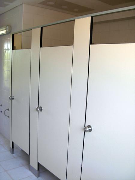 Mamparal tabiques divisorios for Paneles de aluminio para puertas